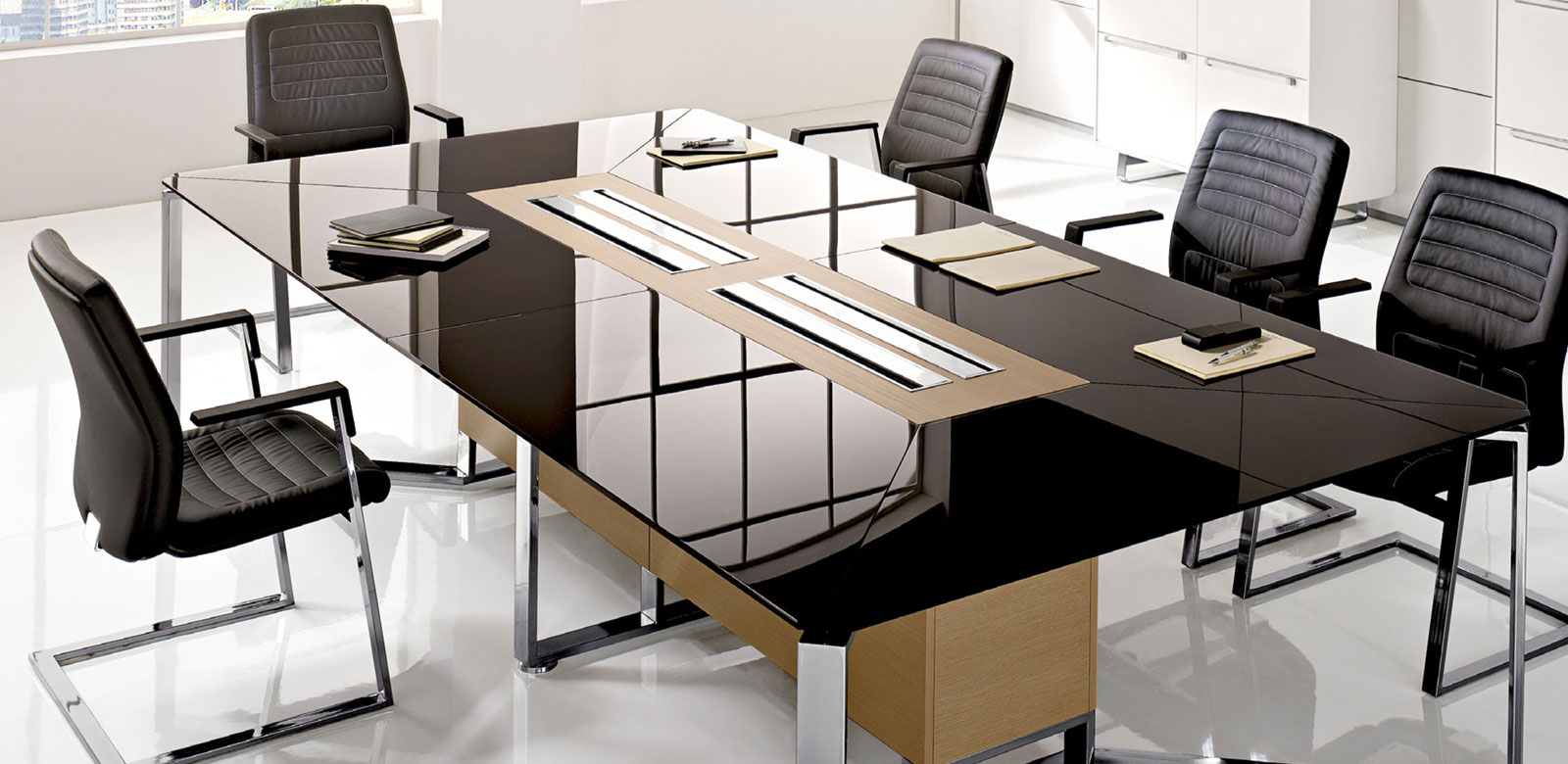 Arredo ufficio arredamento e mobili per ufficio su misura - Tavoli per ufficio ...