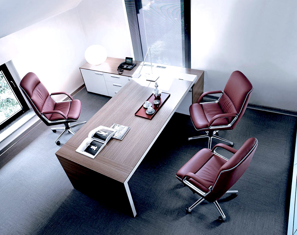 Sedute direzionali sedie e poltrone direzionali per ufficio for Sedie e poltrone per ufficio