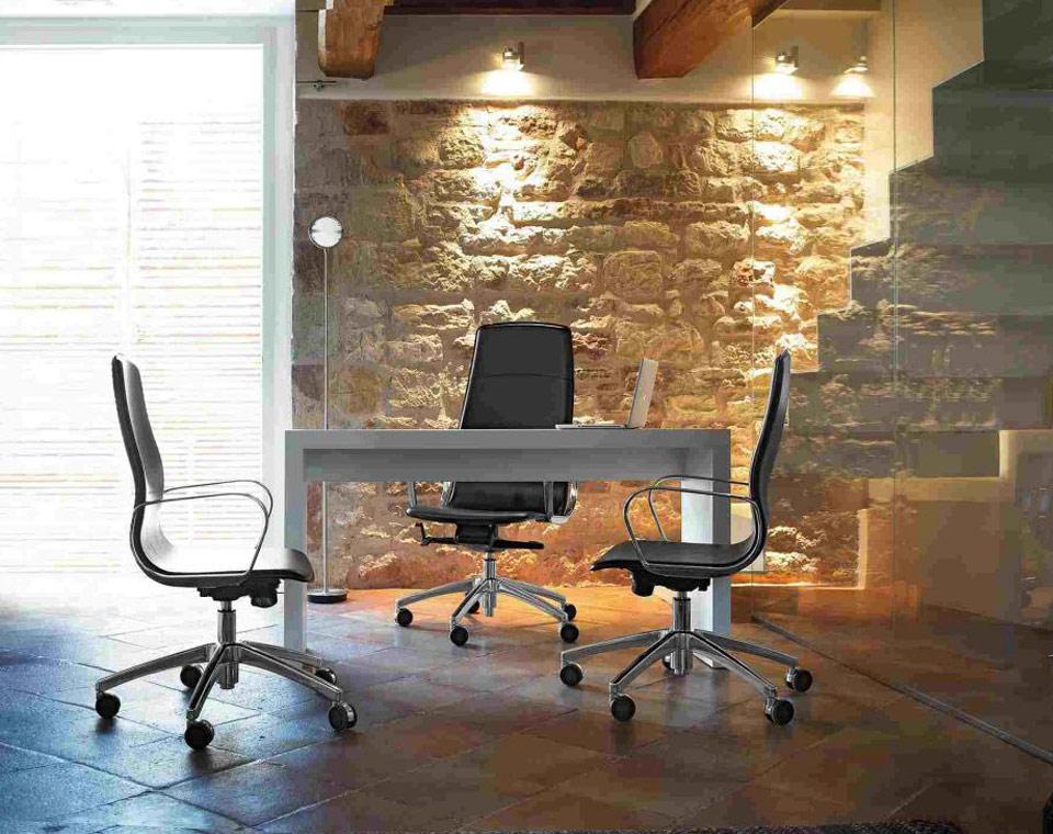 Sedute direzionali sedie e poltrone direzionali per ufficio for Sedute direzionali